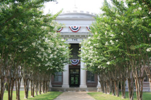 courthouse-decorated